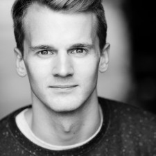 Dominic Hodson – Headshot