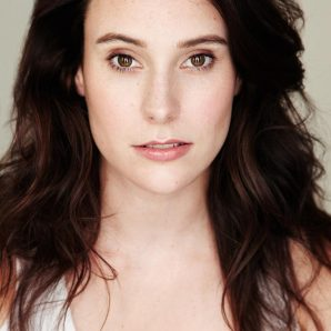 Julia Dray headshot